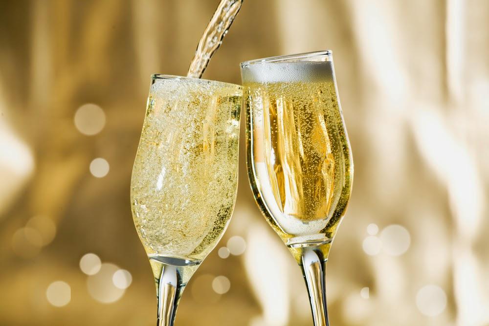 用高跟鞋喝香槟曾经还是个流行的品尝方法