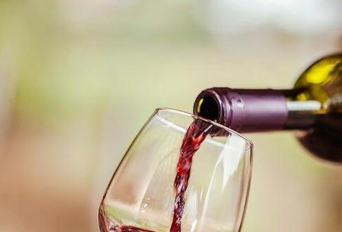 美国人饮用葡萄酒数量近25年来首次出现下降