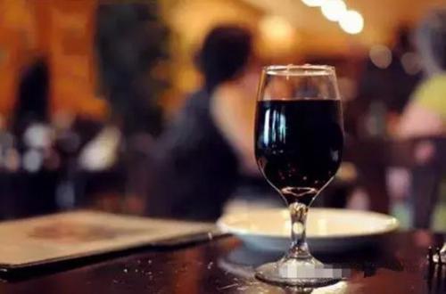 浪漫约会之夜如何挑选葡萄酒