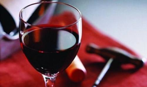 为什么喝葡萄酒是可以来缓解压力呢?