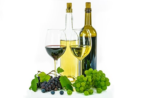 在元旦春节里要如何来去挑选一瓶好喝的葡萄酒呢?