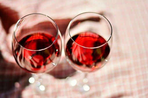 女性常饮葡萄酒的一些好处是什么?