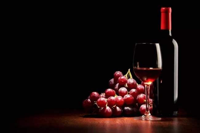 女人睡前为什么一定要喝一杯葡萄酒