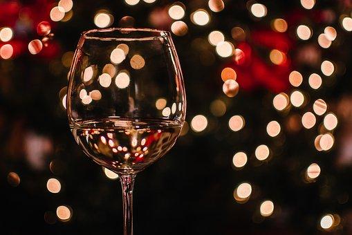 关于葡萄酒的酒杯的完美选择内容