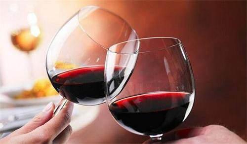 """葡萄酒中的""""矿物感""""是怎么感觉呢"""