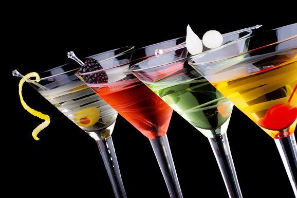 别具色彩的鸡尾酒是如何调制的?