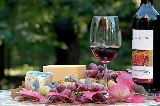 喝葡萄酒为什么可以来去治疗气管炎、慢性支气管炎和肺气肿呢?