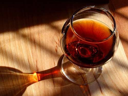 中秋怎么品红酒