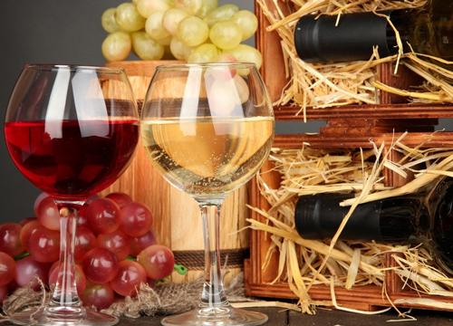 女性食用红酒炖苹果能有效缓解痛经