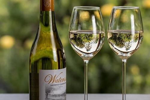 莎当妮干白葡萄酒有什么特点?