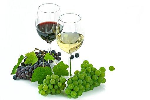 葡萄酒维什么能有助消化作,防止便秘的功效作用呢?