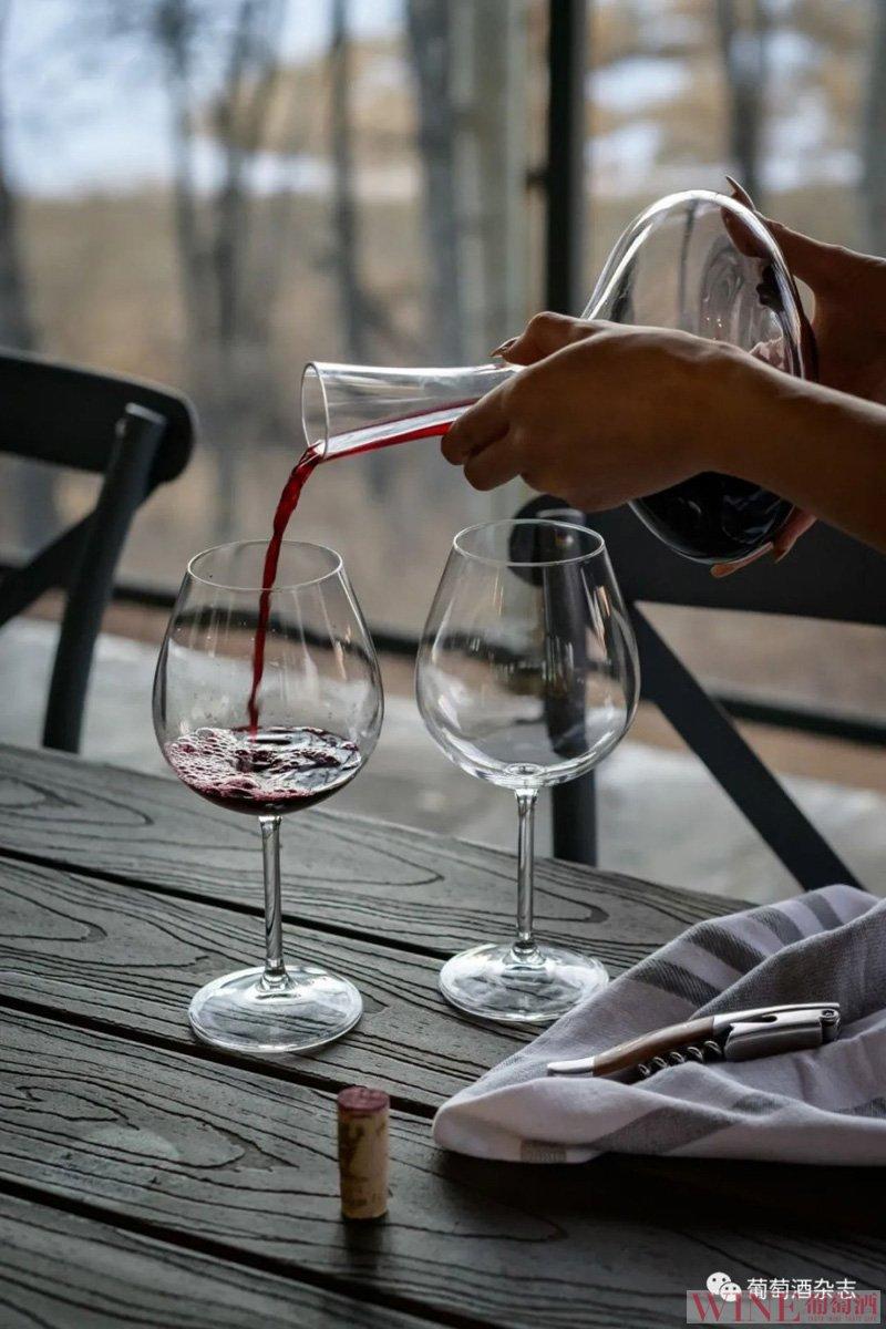 一瓶葡萄酒打开后能放几天?