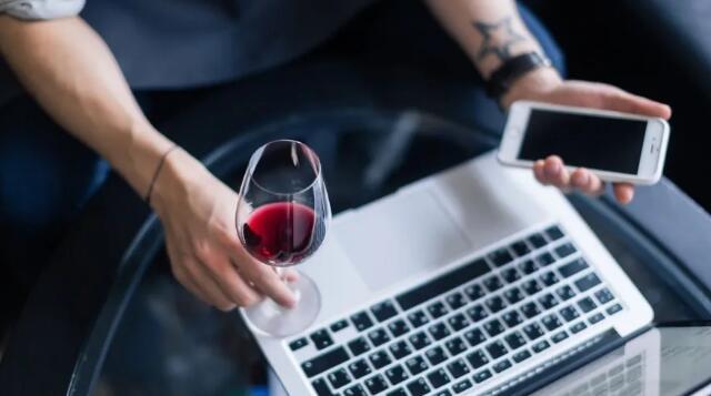 加利西亚葡萄酒学院开展线上虚拟葡萄酒活动