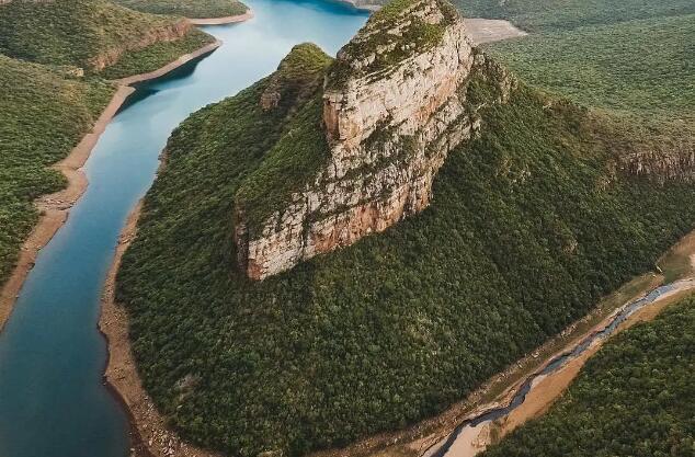 南非沙朗博格酒庄 | 南非达令,凭什么酿出新世界独具一格的葡萄酒?