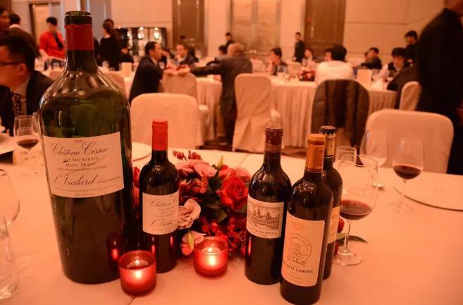 葡萄酒商利用以下4招,可以守住宴席渠道