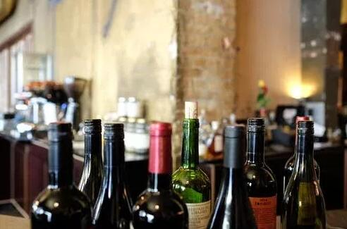 愛酒人士一定要知道的技巧:如何在高溫下儲存葡萄酒!