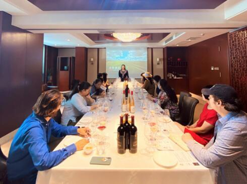 山东蓬莱龙亭葡萄酒庄发布两款新品葡萄酒