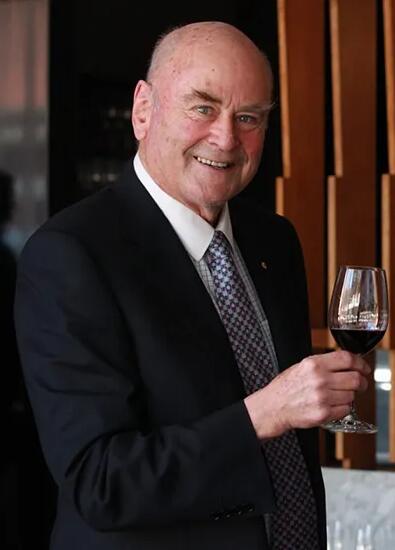 詹姆斯·哈利德辞任《澳洲葡萄酒宝典》主编职位