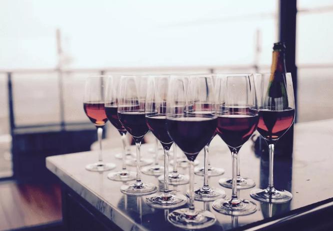 是不是原装进口葡萄酒,看这几点就知道了!