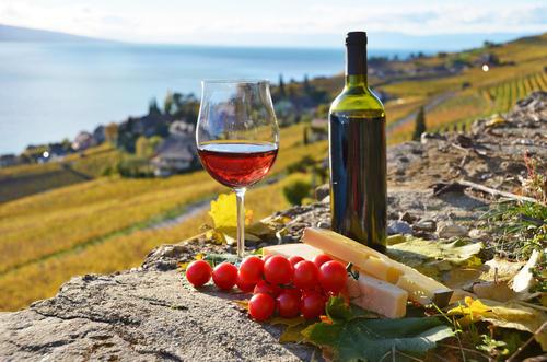 葡萄酒标收藏是很注重艺术美的