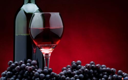 葡萄酒可以保健美容
