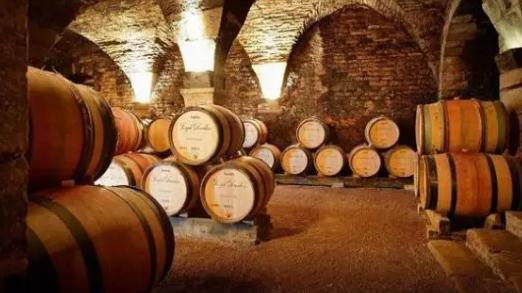 储存不同地域葡萄酒有哪些方法