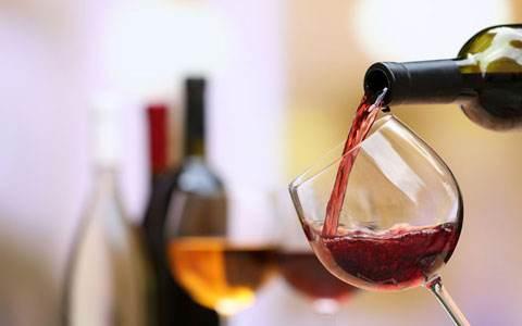 如何观察葡萄酒的颜色