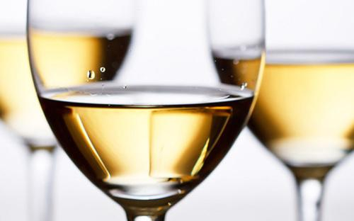 选葡萄酒杯有什么技巧