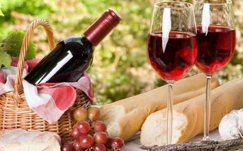 夏季葡萄酒与番茄搭配吗