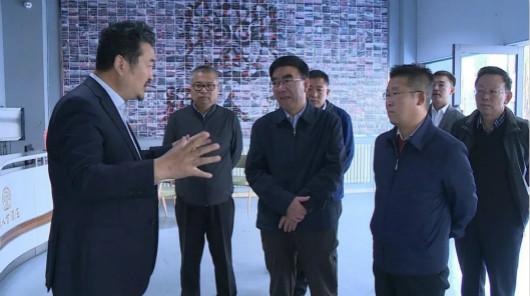 银川市市长杨玉经深入调研贺兰山东麓葡萄酒产业