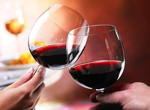 红酒为什么不宜搭配海鲜呢