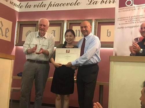 意大利品酒师协会首位华人品酒师担任进博会代言人