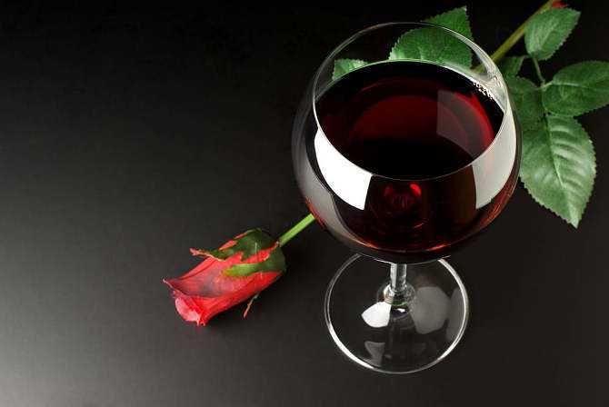 长期饮用葡萄酒有哪些作用