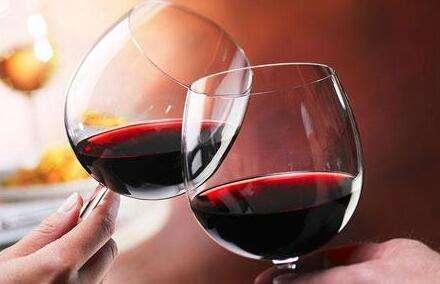红酒里边的卡路里高吗
