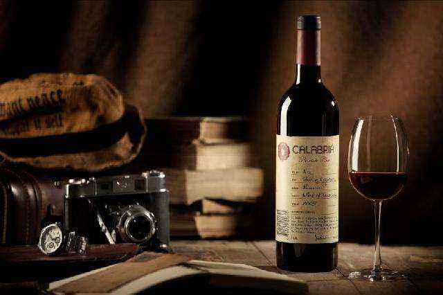 该如何去品味红酒