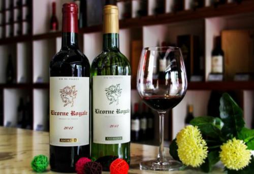 葡萄酒的好坏关键在于葡萄的选择,应该怎么选择葡萄呢