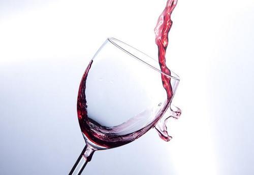 葡萄酒是杯中的优雅,不止是好看还好喝