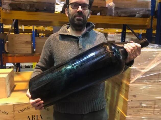 伯特酒庄一瓶18升装2011年份葡萄酒出售了