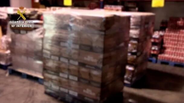 西班牙警方捣毁一个走私假朗姆酒的大型制假团伙
