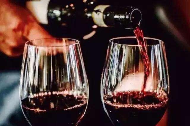 葡萄酒时尚饮用法