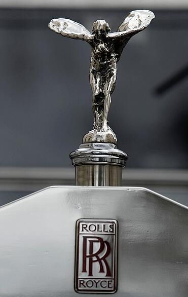 蒙塔奇诺布鲁奈罗产区协会与劳斯莱斯汽车品牌建立合作关系
