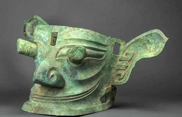 三星堆遗址考古工作中发现了多个酒具