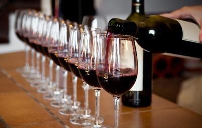 葡萄酒混搭巧克力是一种时尚了