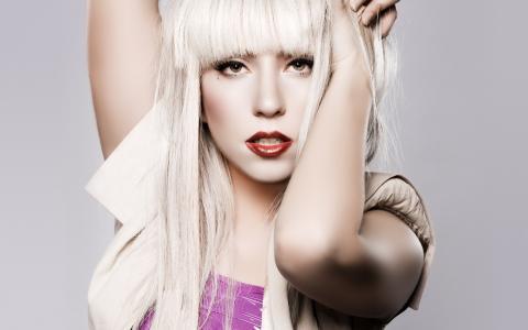 美国歌手Lady Gaga成为唐培里侬香槟广告代言人