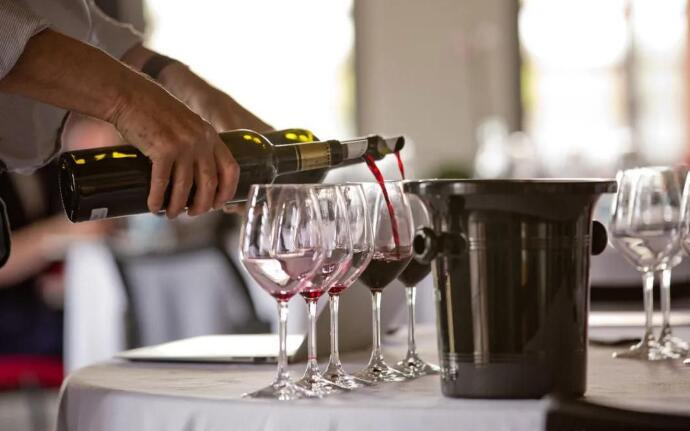波尔多期酒品鉴活动在线上举办,期酒价格会上涨吗?