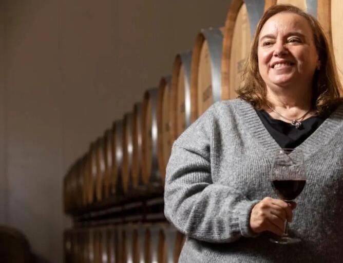 Milagros Romero担任卡斯蒂利亚-拉曼恰官方酿酒学院院长