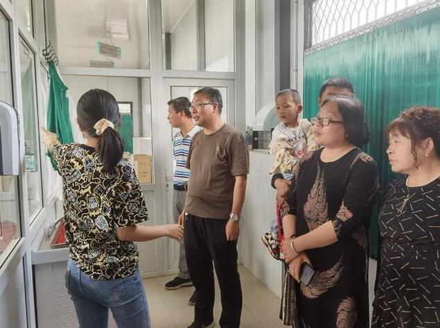 慕仪镇中心小学工会组织全体教师参观陕西红屋顶葡萄酒酒庄