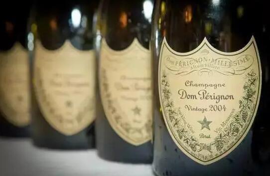 隨著全球疫情趨于穩定,法國香檳銷量出現明顯好轉