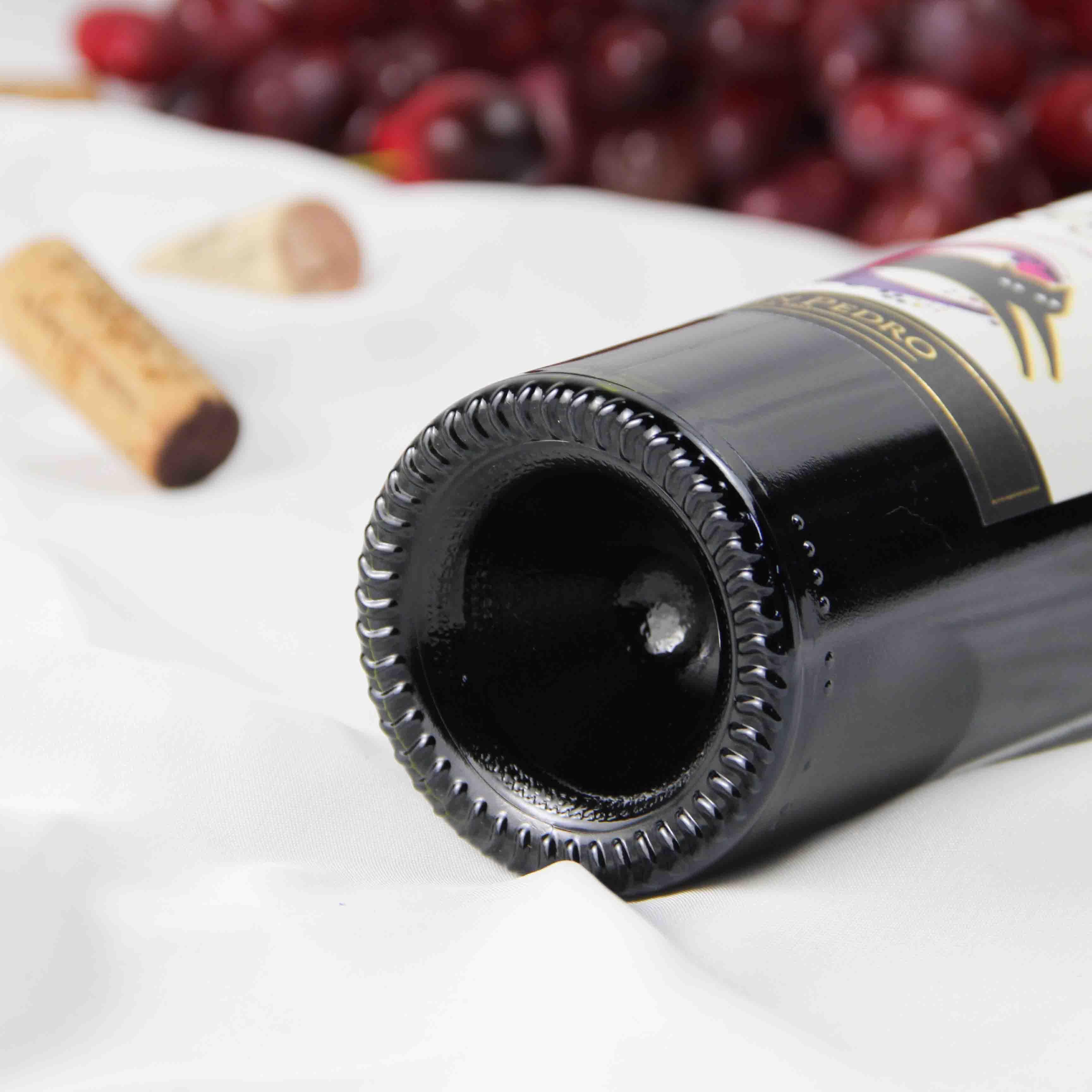 智利中央山谷黑猫佳美娜红葡萄酒红酒