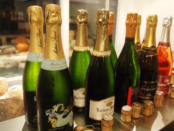 全球香槟市场迎来蓬勃发展